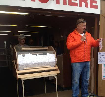 Stan Hooley, Executive Director of Iditarod,  Announces the Winners